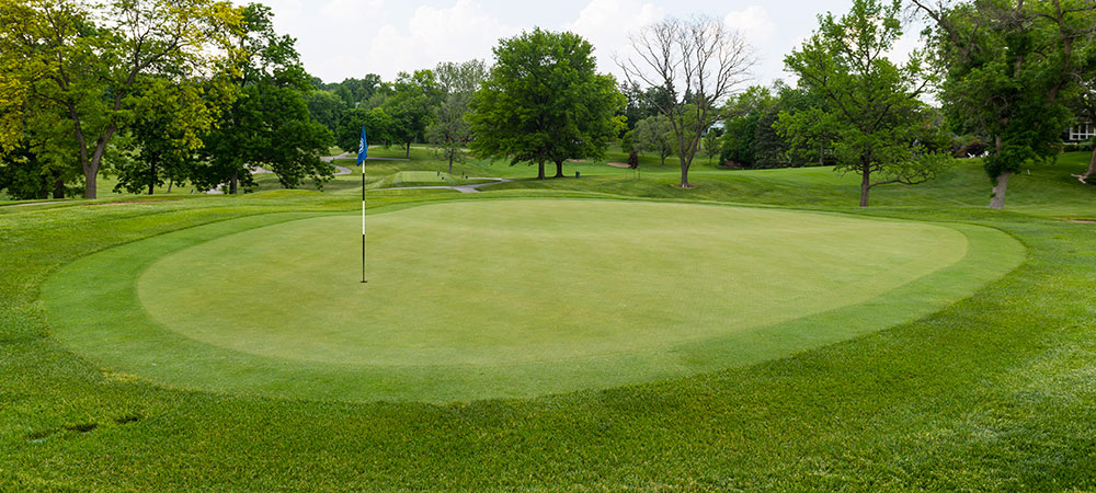 GOLF AT COUNTRY CLUB OF PEORIA